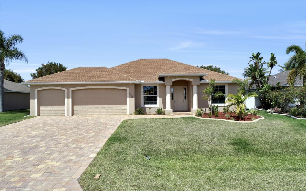 1935 SW 37th Ter, Cape Coral - Home For Sale 1988852814