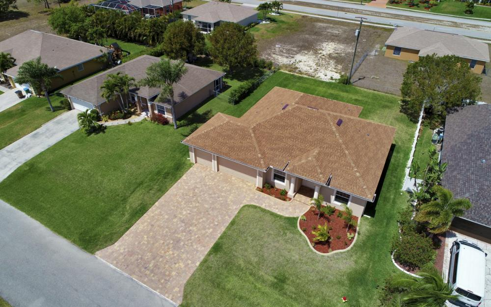 1935 SW 37th Ter, Cape Coral - Home For Sale 757719975