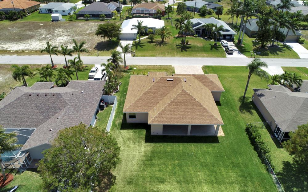 1935 SW 37th Ter, Cape Coral - Home For Sale 930837955
