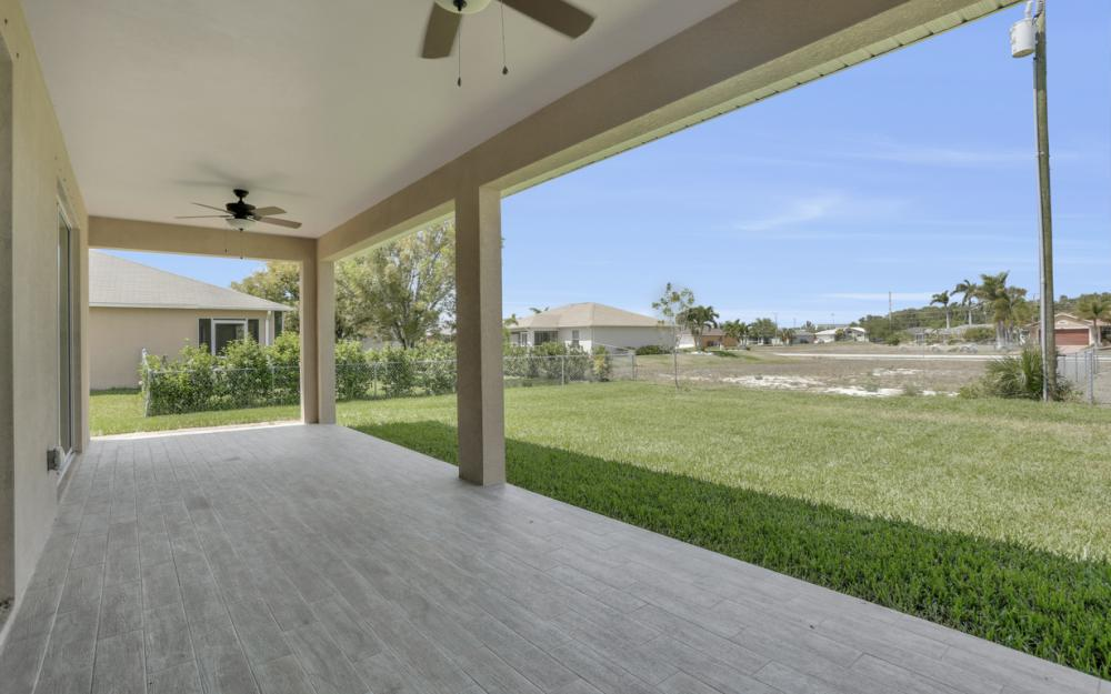 1935 SW 37th Ter, Cape Coral - Home For Sale 534539609