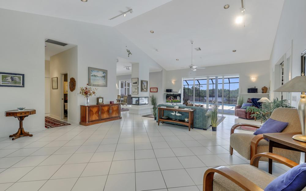 15660 Light Blue Cir, Fort Myers - Home For Sale 1762352538
