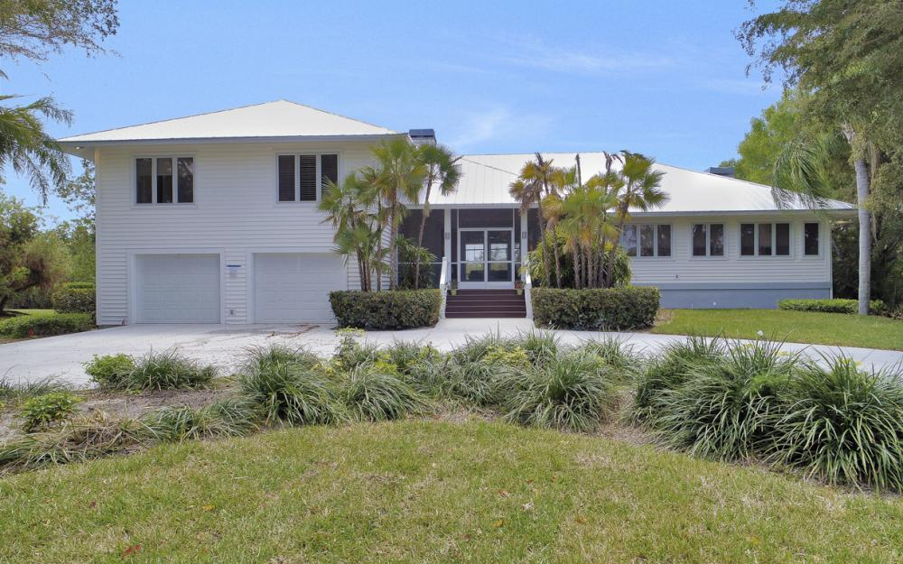 15660 Light Blue Cir, Fort Myers - Home For Sale 1984052917