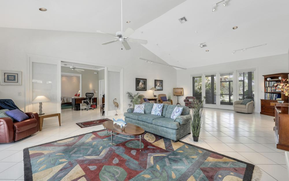 15660 Light Blue Cir, Fort Myers - Home For Sale 1342577478