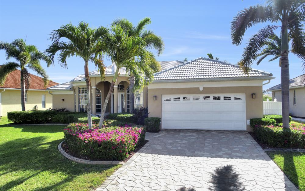 5319 SW 28th Place Cape Coral - Home For Sale 209709146