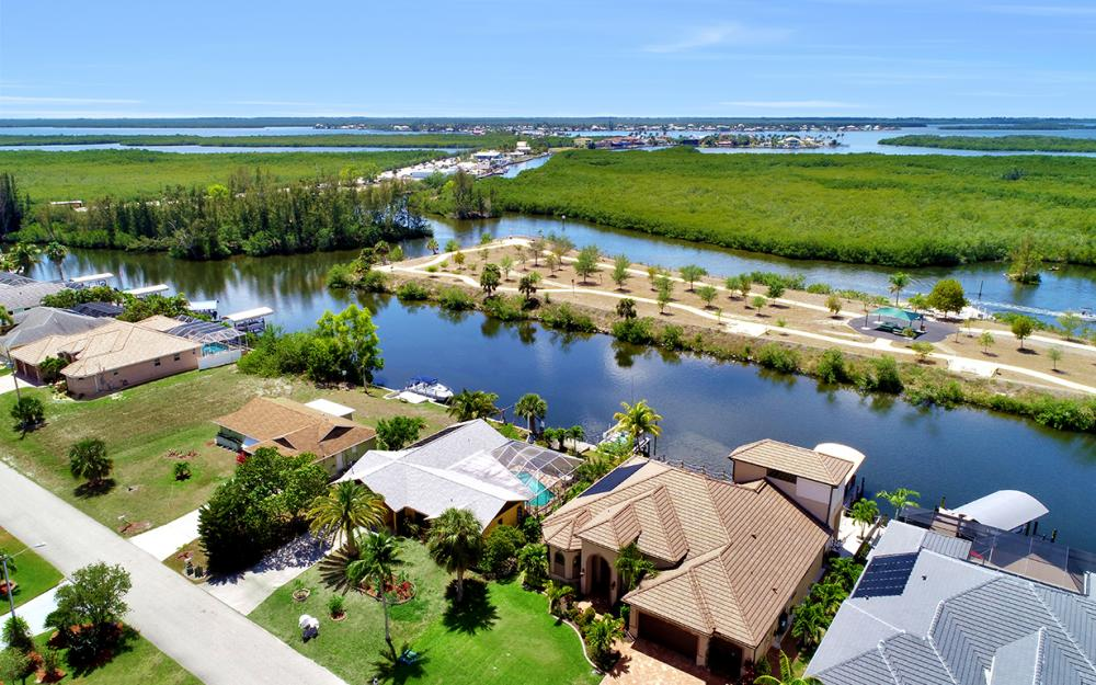 436 SW 39th Ave, Cape Coral - Home For Sale 855938654