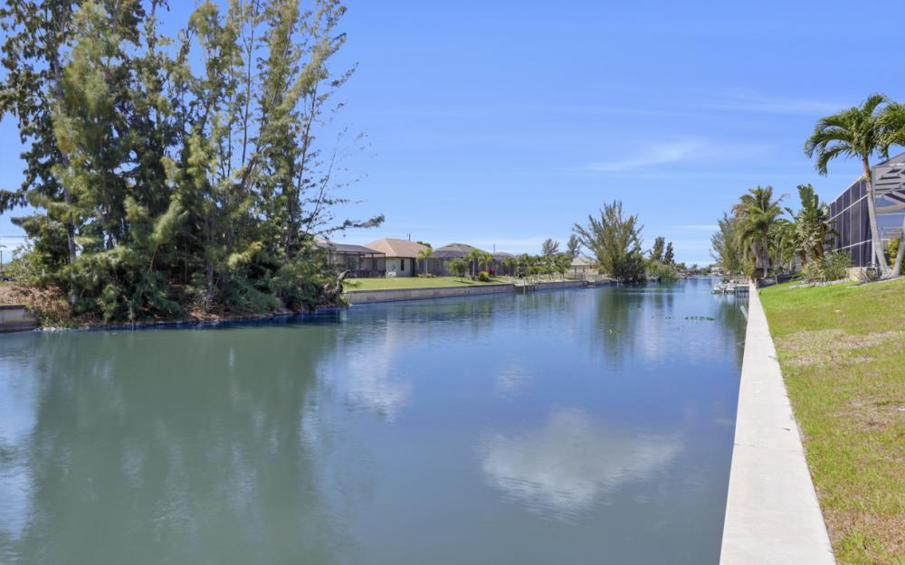 1132 SW 36th Terrace, Cape Coral - Home For Sale 687057072