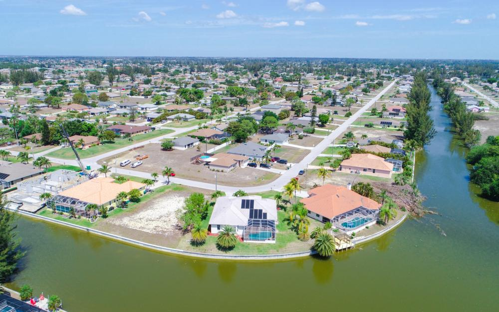 1132 SW 36th Terrace, Cape Coral - Home For Sale 2094925681