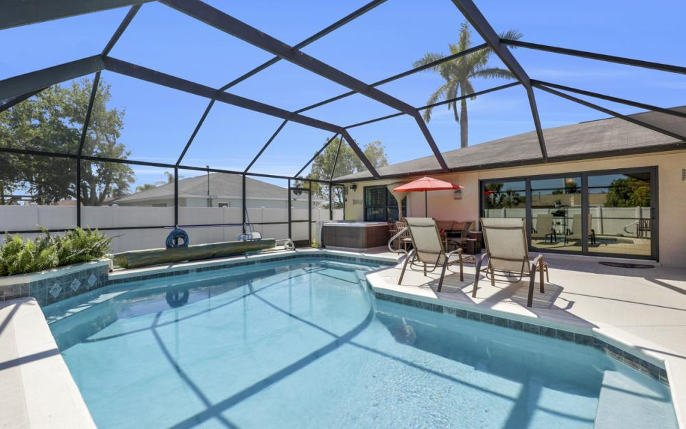 1905 SE Van Loon Ter, Cape Coral - Home For Sale 36120381