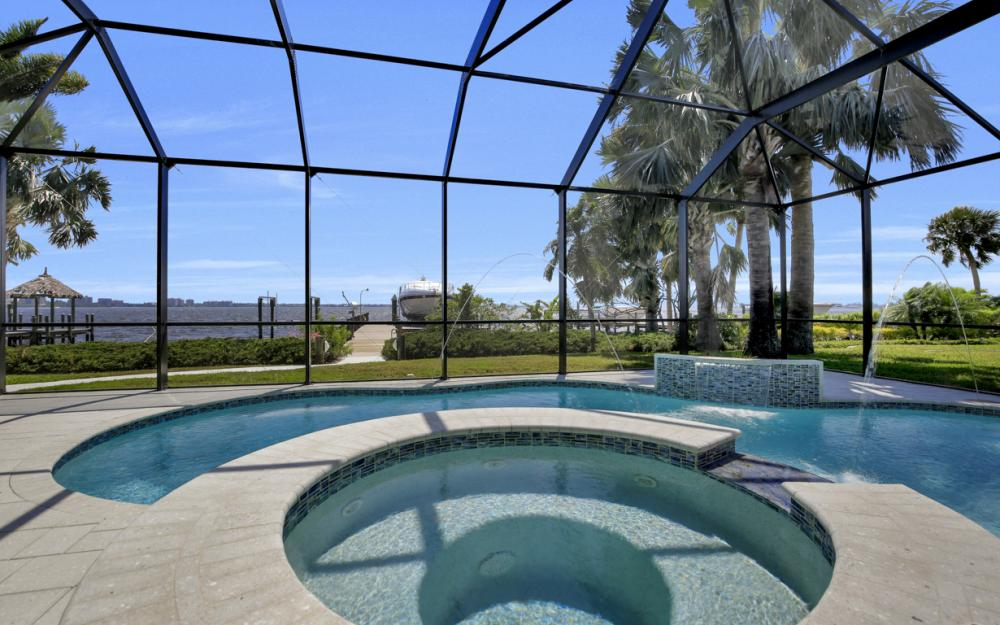 1040 Dolphin Dr, Cape Coral - Home For Sale 1467270437