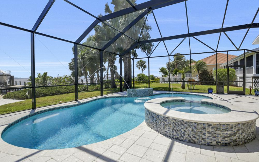 1040 Dolphin Dr, Cape Coral - Home For Sale 1914880891