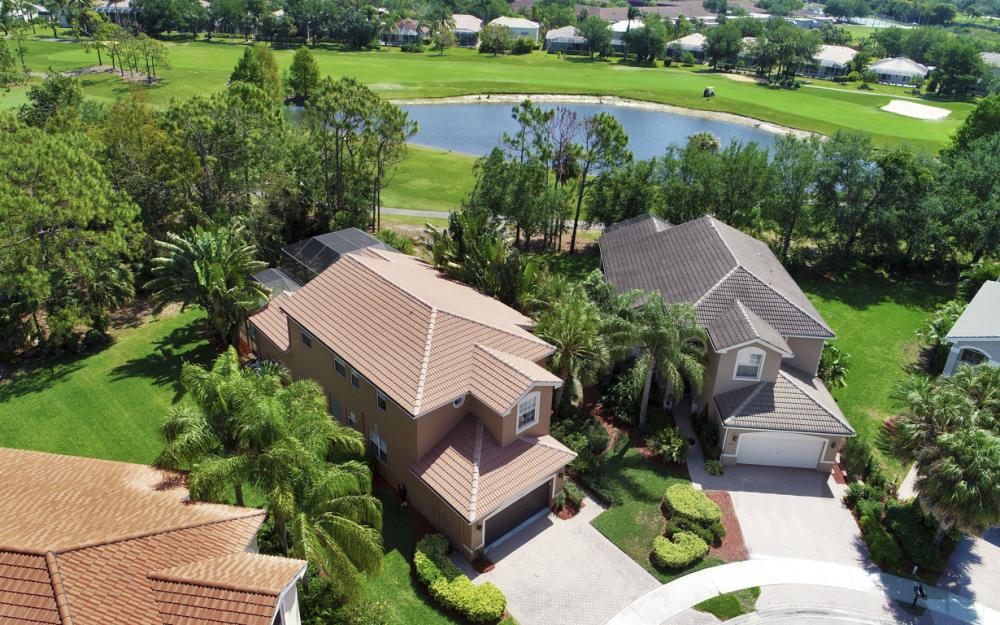 2405 Leafshine Ln, Naples - Home For Sale 81825728