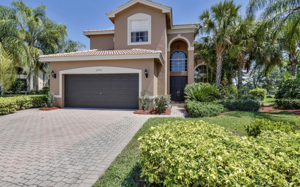 2405 Leafshine Ln, Naples - Home For Sale 167230863