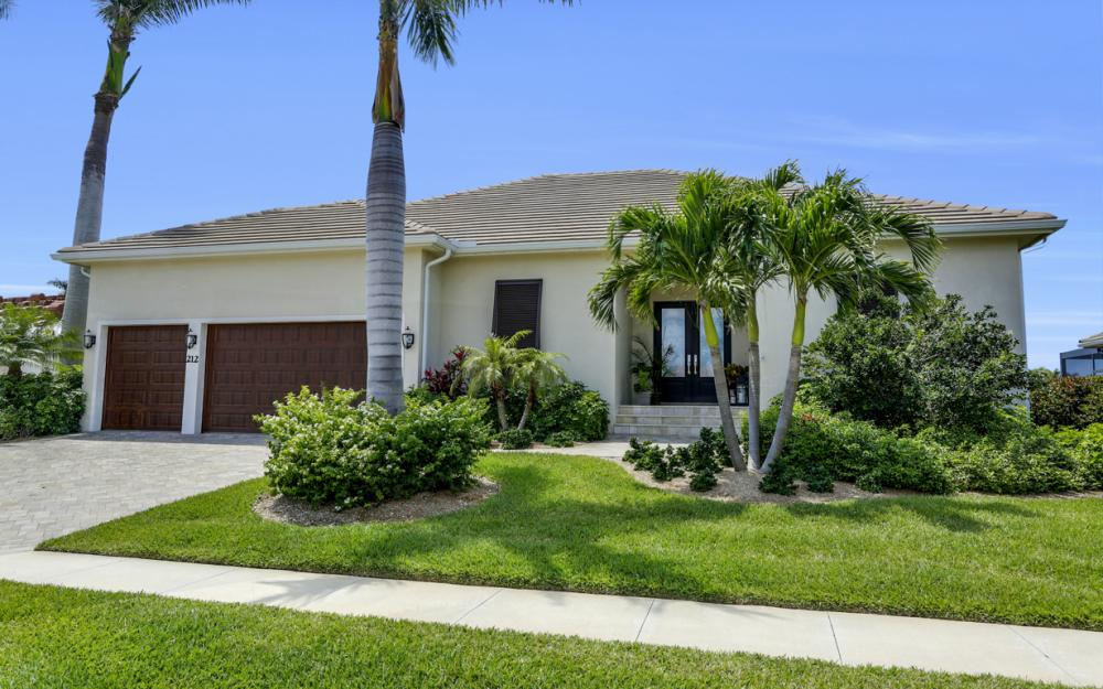 212 Seminole Ct, Marco Island - Home For Sale 1980977598