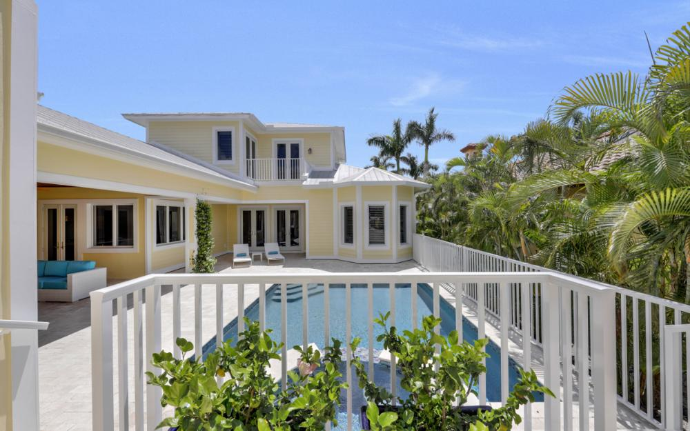 525 13TH Ave S, Naples - Home For Sale 1011025607