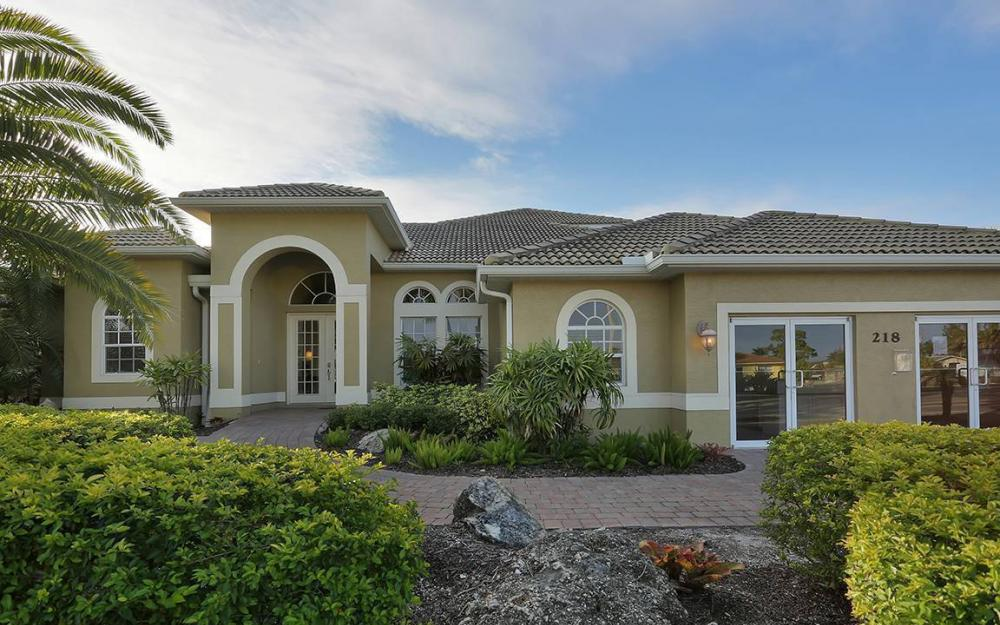 218 Cape Coral Pkwy W,Cape Coral - House For Sale 623064411