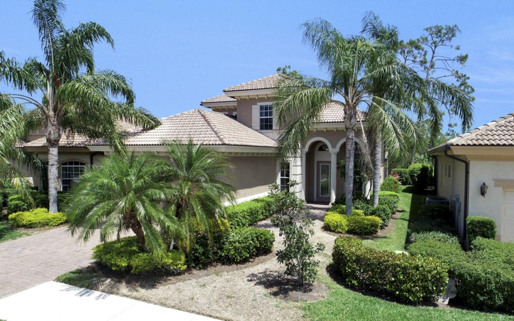 6080 Dogleg Dr, Naples - Home For Sale 692020438