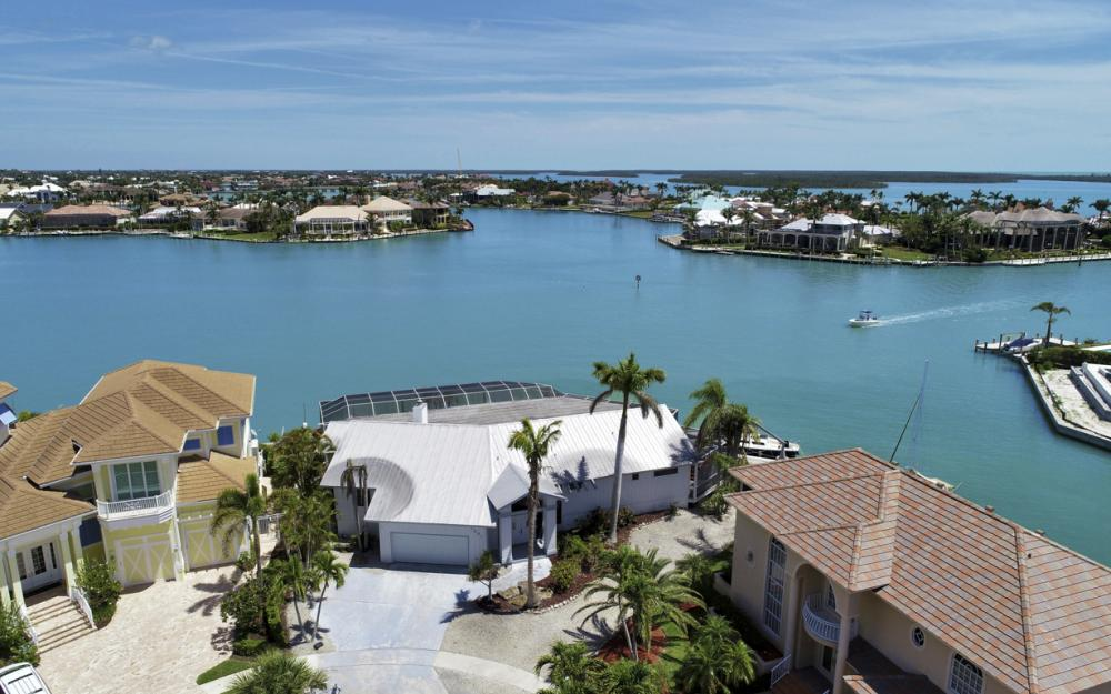 1281 Stone Ct, Marco Island - Home For Sale 36103551
