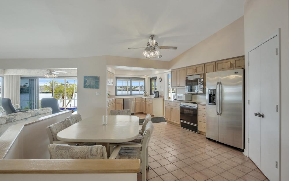 1281 Stone Ct, Marco Island - Home For Sale 638044846