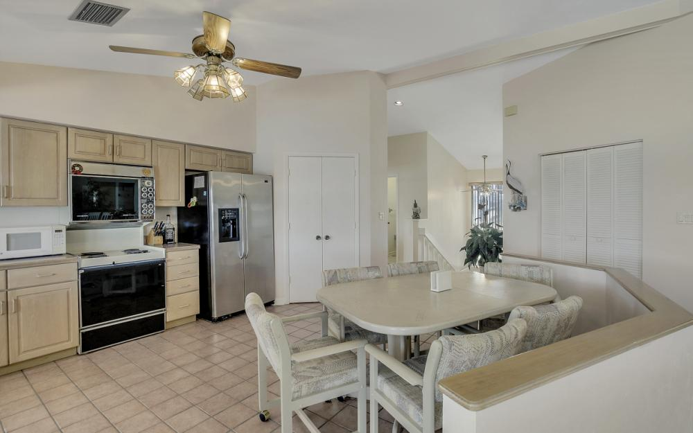 1281 Stone Ct, Marco Island - Home For Sale 723576027