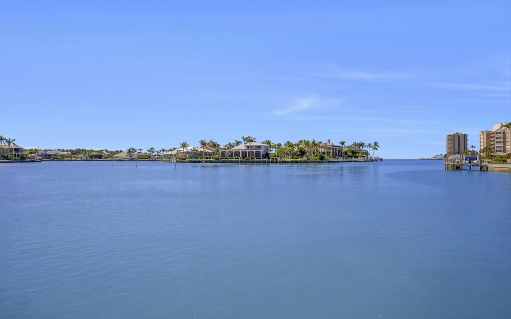 1281 Stone Ct, Marco Island - Home For Sale 426077778