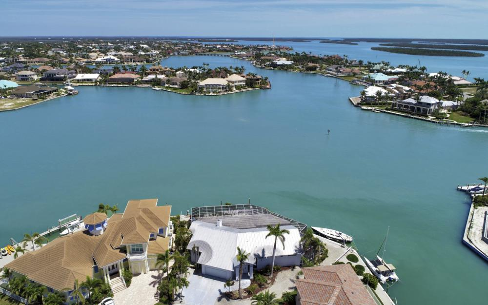1281 Stone Ct, Marco Island - Home For Sale 152228805