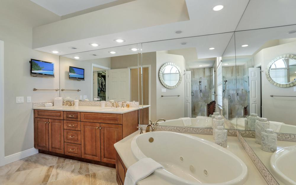 1280 Stone Ct, Marco Island - Home For Sale 208500543