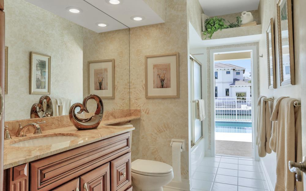1280 Stone Ct, Marco Island - Home For Sale 37372500