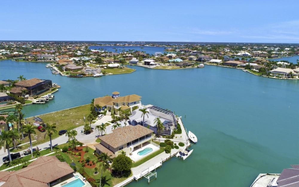 1280 Stone Ct, Marco Island - Home For Sale 737976137