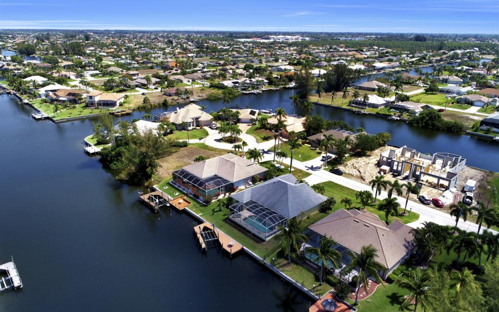 3912 SW 27th Ct, Cape Coral - Home For Sale 752703203