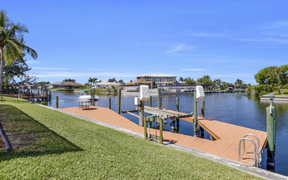 3912 SW 27th Ct, Cape Coral - Home For Sale 1051250001