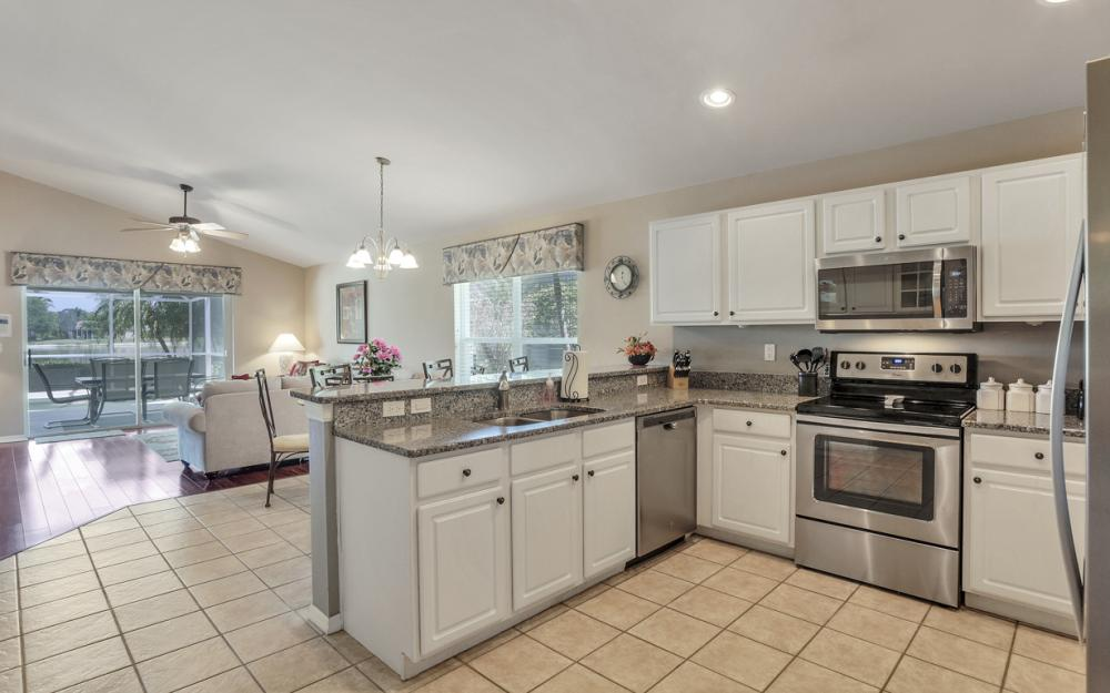 15740 Beachcomber Ave, Fort Myers - Home For Sale 288048656