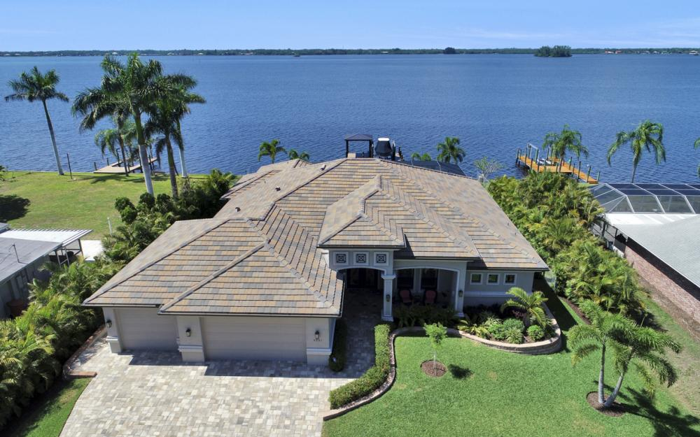 4061 E River Dr, Fort Myers - Home For Sale 492545467