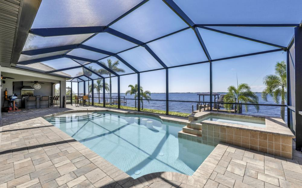 4061 E River Dr, Fort Myers - Home For Sale 257677657