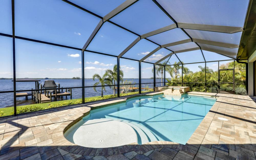 4061 E River Dr, Fort Myers - Home For Sale 550678947