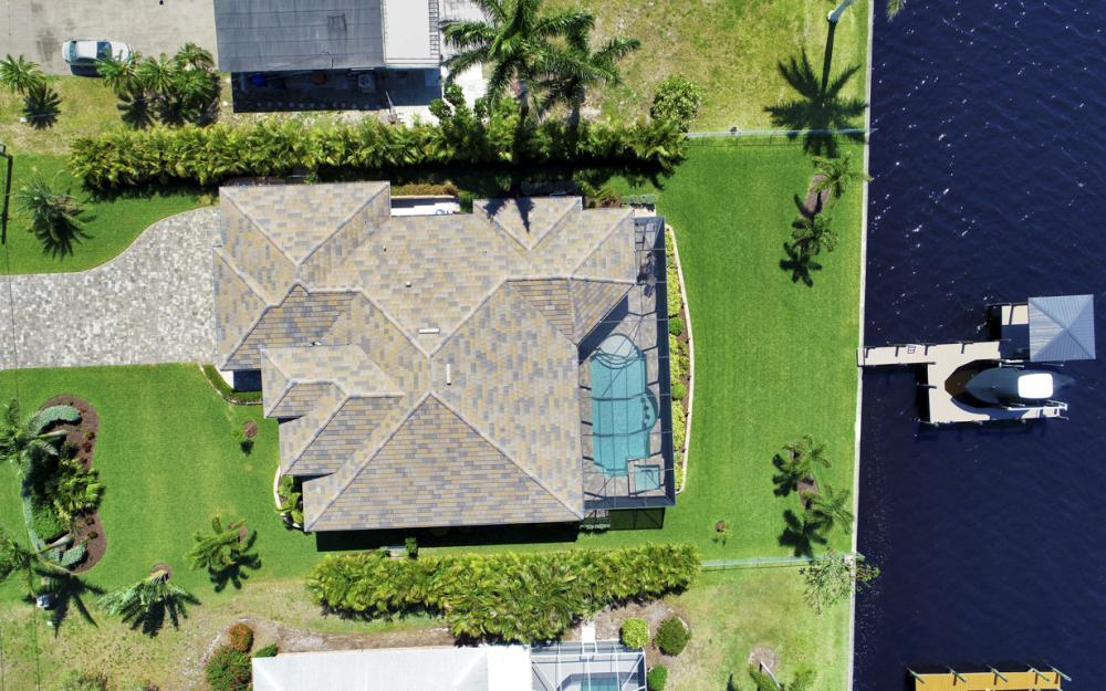 4061 E River Dr, Fort Myers - Home For Sale 833102206