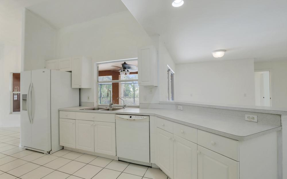 8104 Harrisburg Dr, Fort Myers - Home For Sale 428331999
