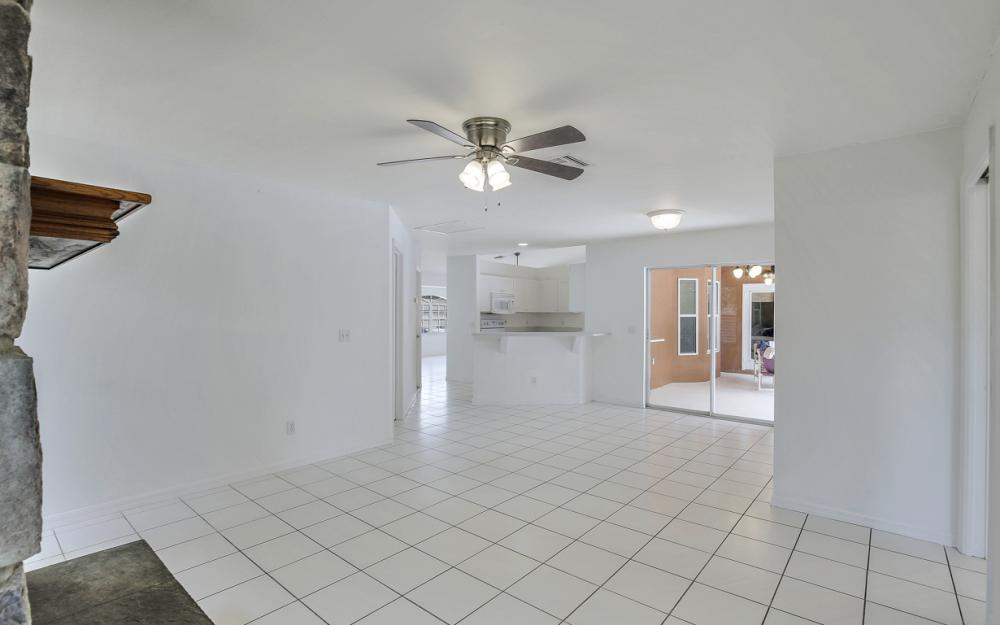 8104 Harrisburg Dr, Fort Myers - Home For Sale 912886849
