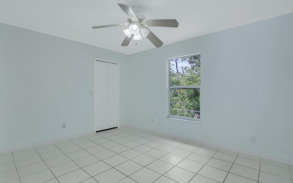 8104 Harrisburg Dr, Fort Myers - Home For Sale 828047561