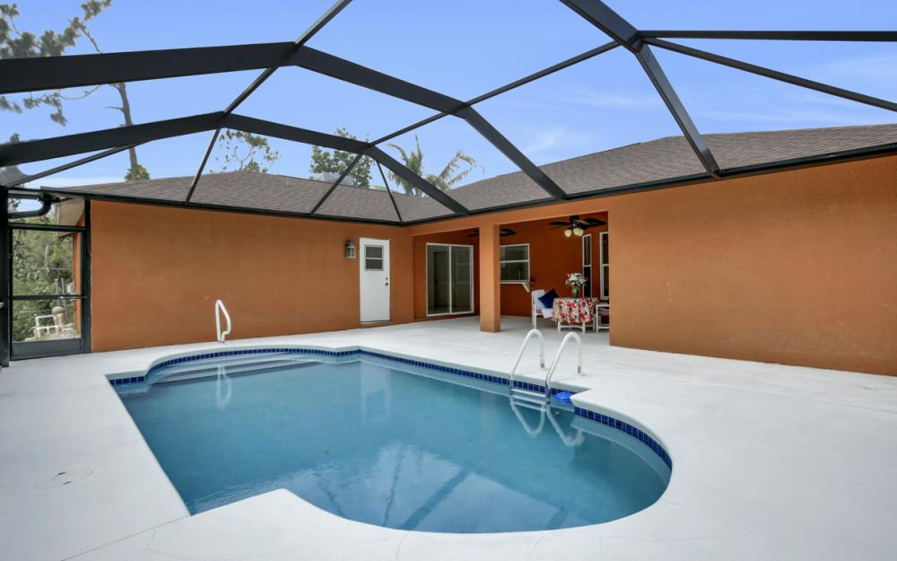 8104 Harrisburg Dr, Fort Myers - Home For Sale 587503116