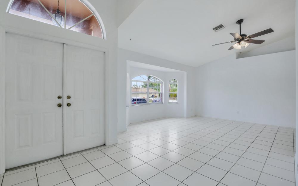 8104 Harrisburg Dr, Fort Myers - Home For Sale 781677986