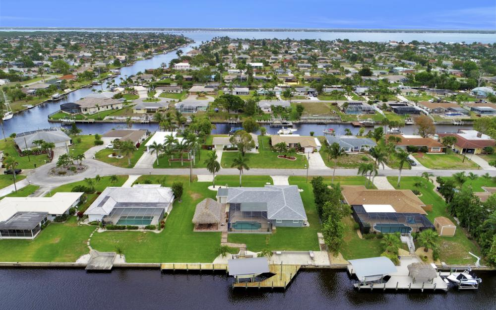 2818 SE 17th Pl, Cape Coral - Home For Sale 1076154554