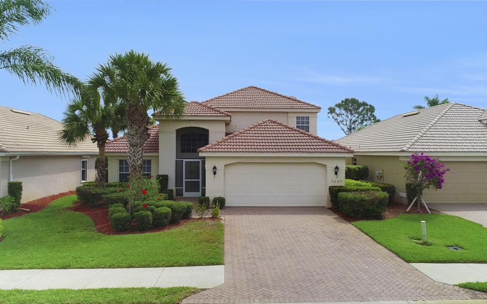 9247 Independence Way, Fort Myers - Home For Sale 818666003