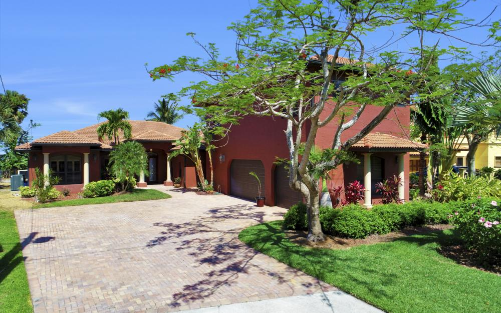 3978 W Riverside Dr, Fort Myers - Home For Sale 627461347