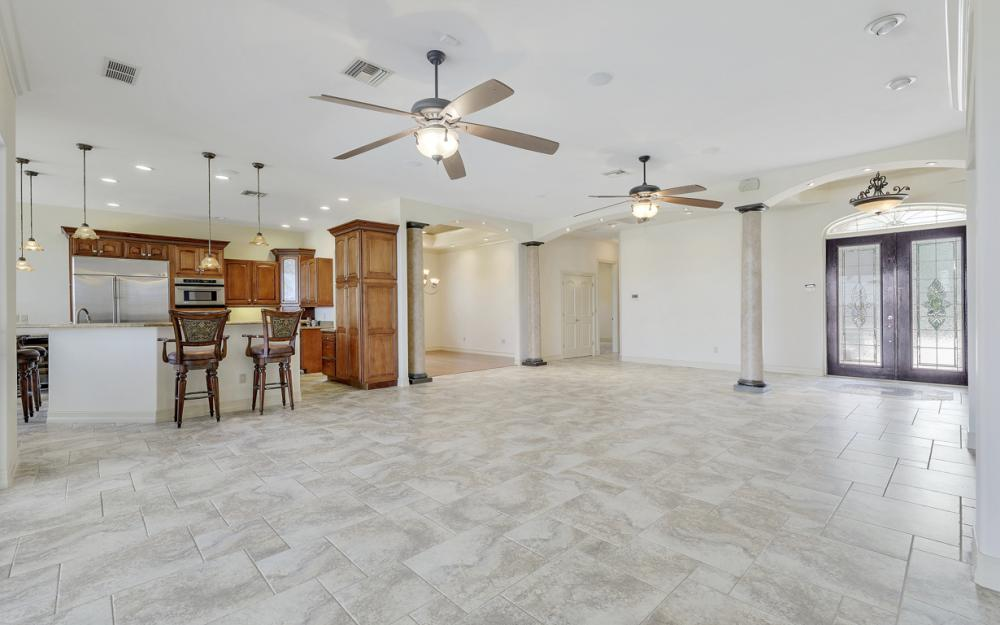 3978 W Riverside Dr, Fort Myers - Home For Sale 1004998425