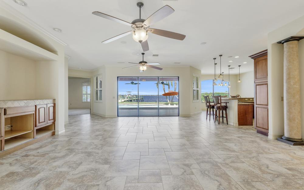 3978 W Riverside Dr, Fort Myers - Home For Sale 149040291