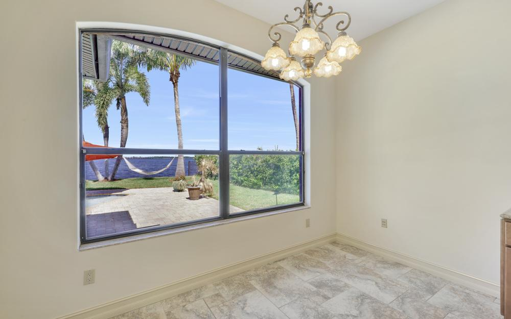 3978 W Riverside Dr, Fort Myers - Home For Sale 411768961
