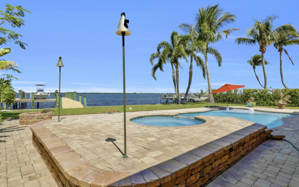 3978 W Riverside Dr, Fort Myers - Home For Sale 1813901356