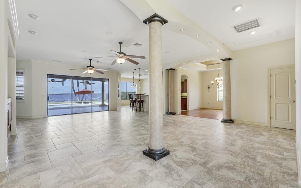3978 W Riverside Dr, Fort Myers - Home For Sale 685666020