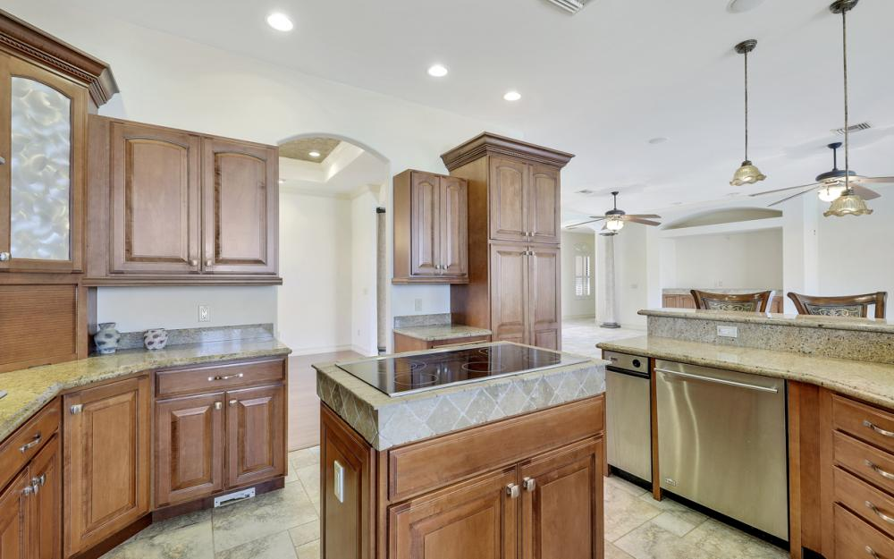 3978 W Riverside Dr, Fort Myers - Home For Sale 204458218
