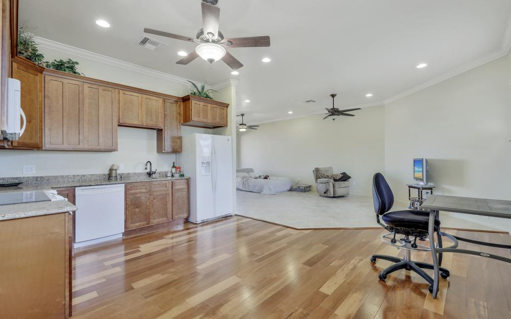 3978 W Riverside Dr, Fort Myers - Home For Sale 798423429